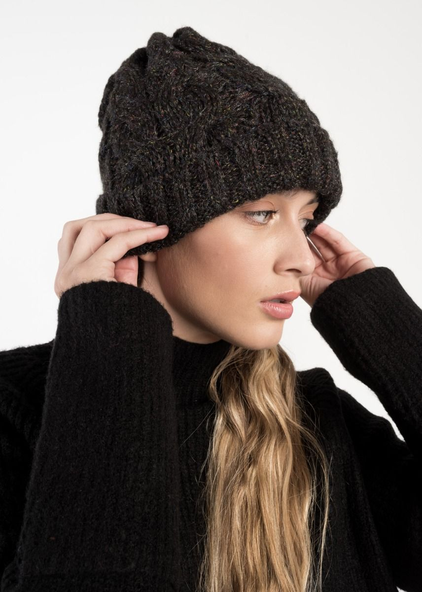 BASIC KNITTED HAT