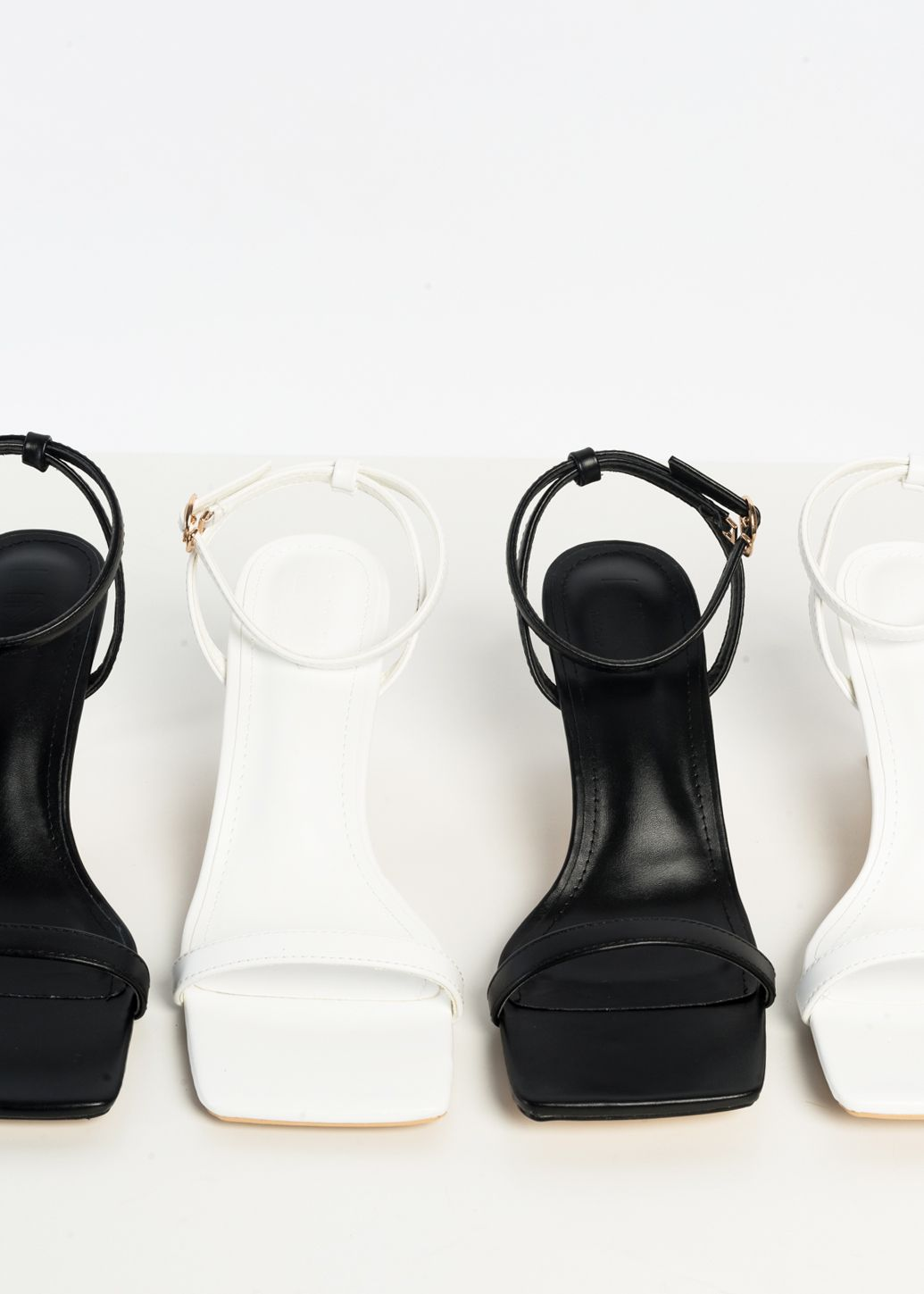 HIGH-HEEL SANDALS WITH SQUARE TOES