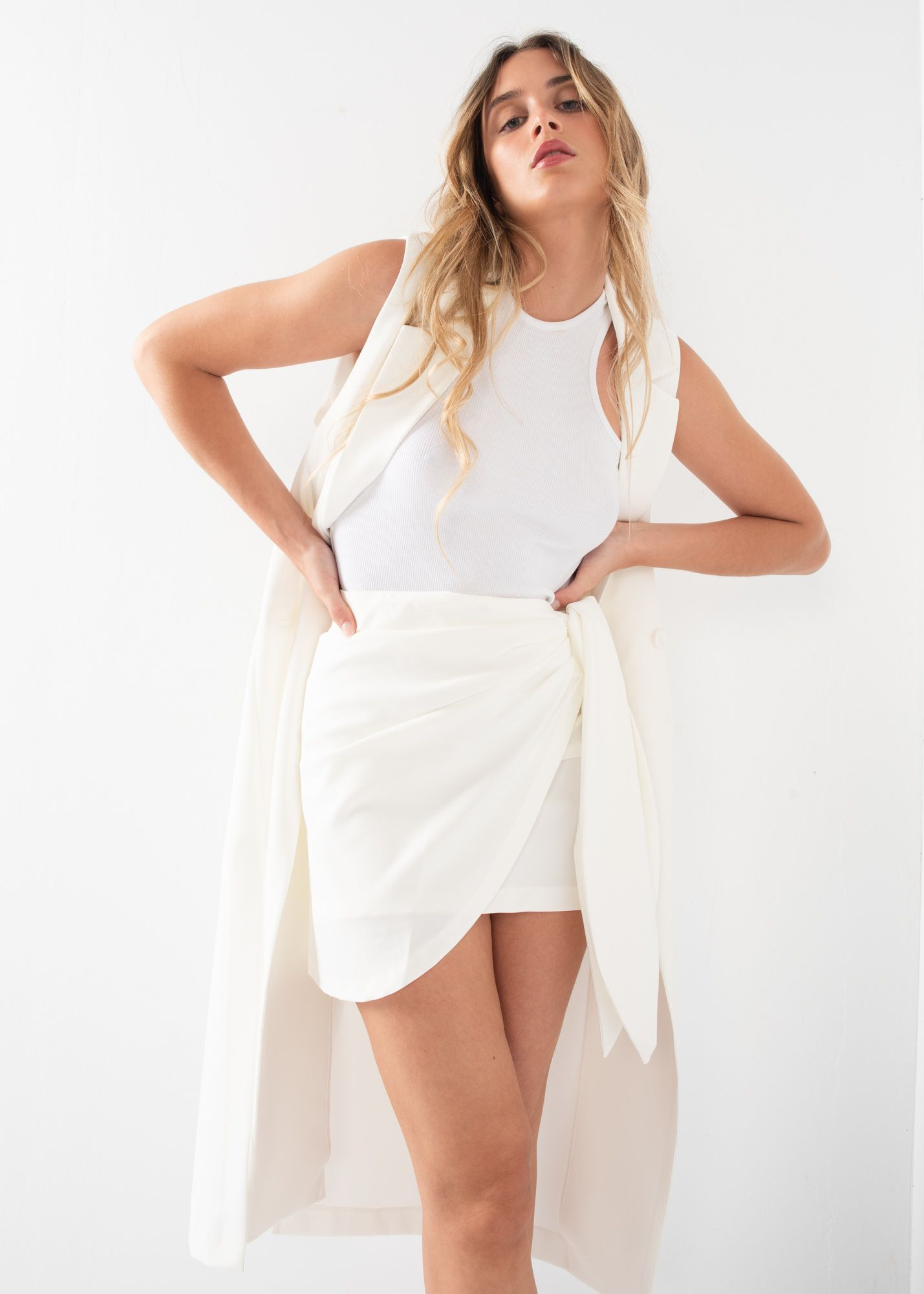 MINI SKIRT WITH KNOT