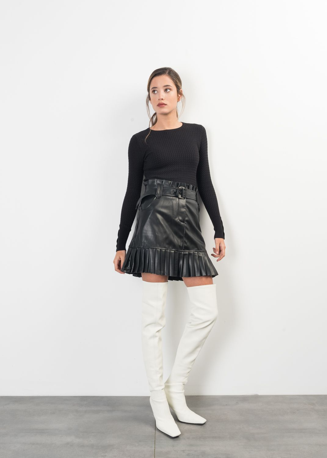PLEATED FAUX LEATHER MINI SKIRT